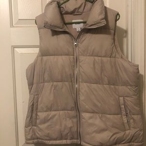Frost free puffer vest Old Navy